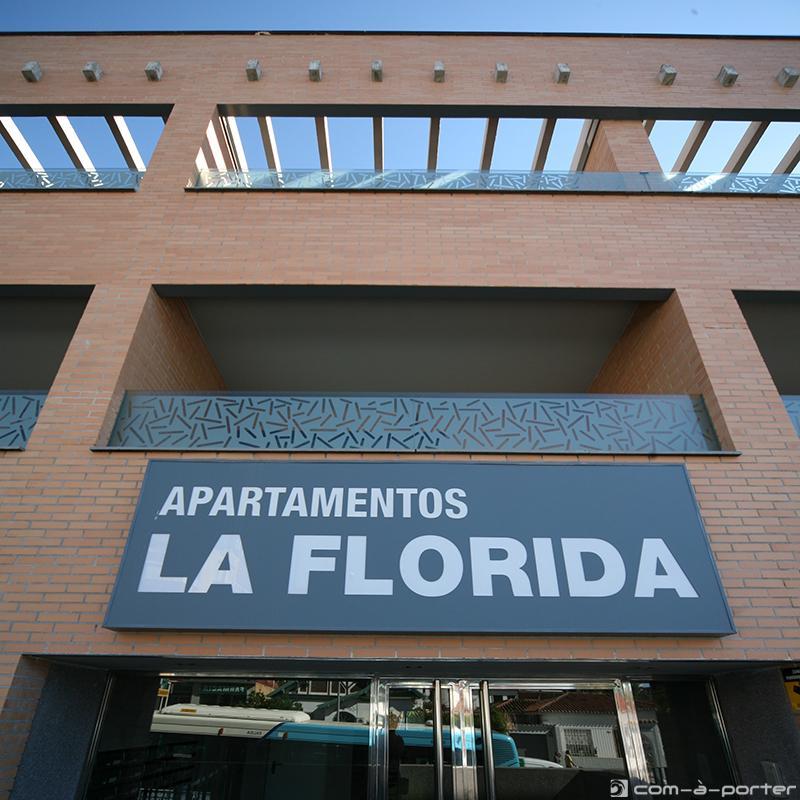 Rótulo de Fachada de Apartamentos La Florida