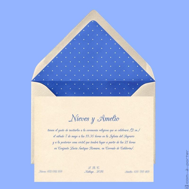 Invitación de Boda en Málaga con sobre forrado de lunares con fondo azulón