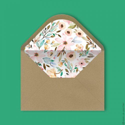 Diseño de sobre kraft forrado con fondo de flores vintage para Invitación de Boda