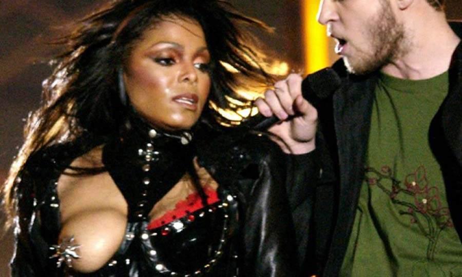 Janet Jackson en su actuación de la Super Bowl
