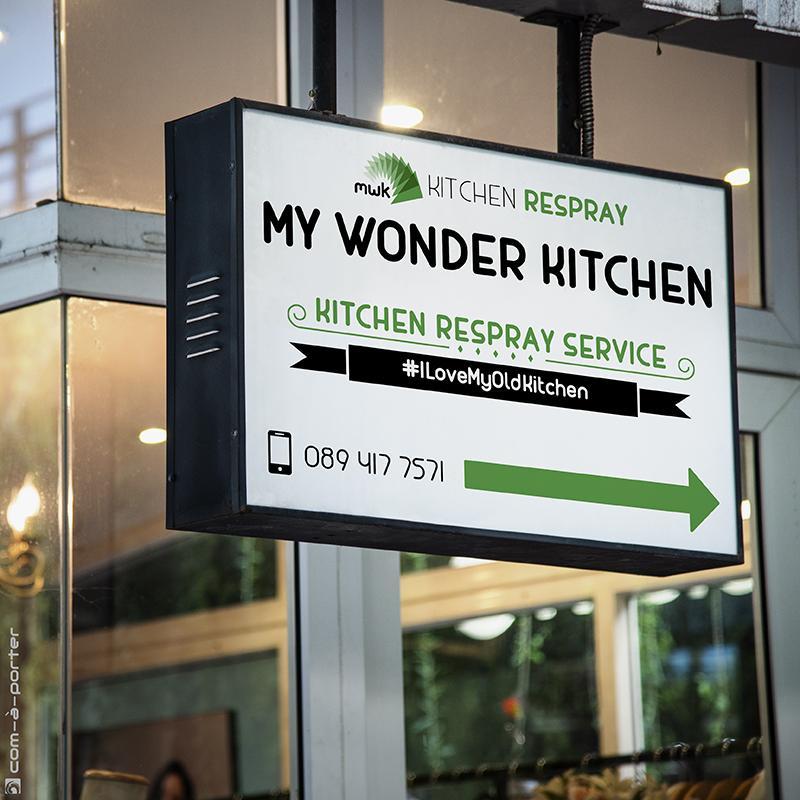 Rótulo de señalización en fachada de My Wonder Kitchen, en Dublín (Irlanda)