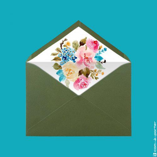 Diseño de sobre forrado verjurado verde oliva con fondo de acuarela de flores para Invitación de Boda