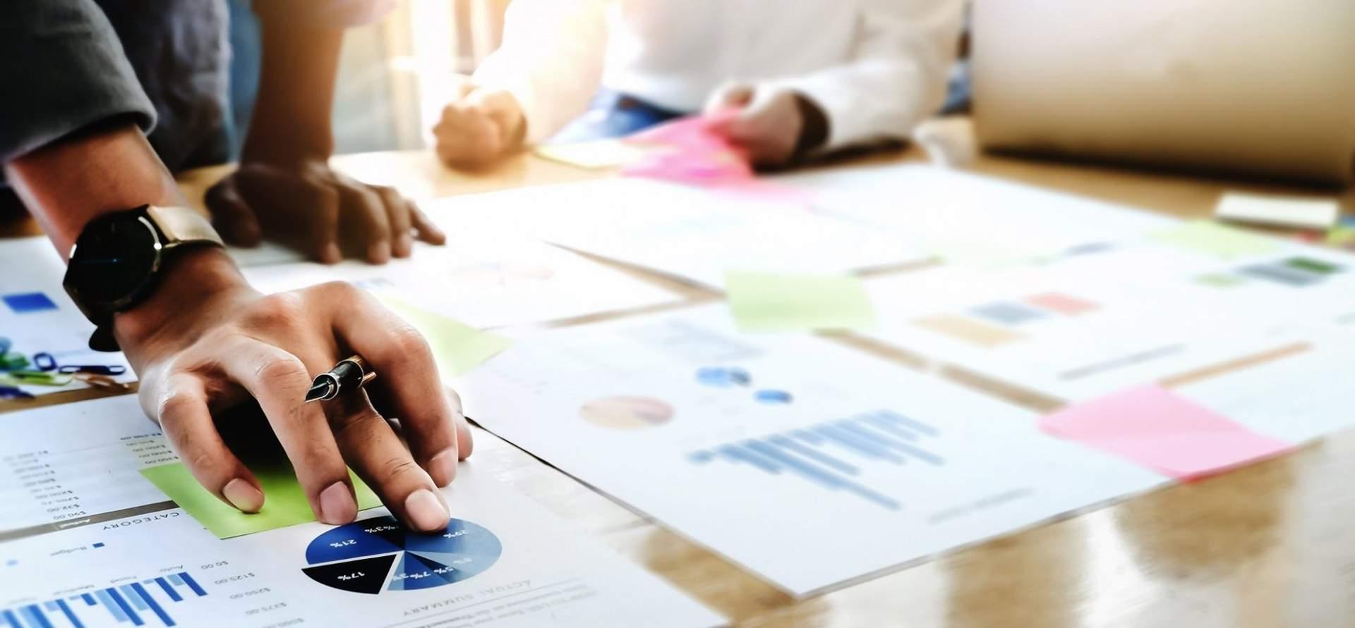 Diferencias entre marco de trabajo, estándar y metodología