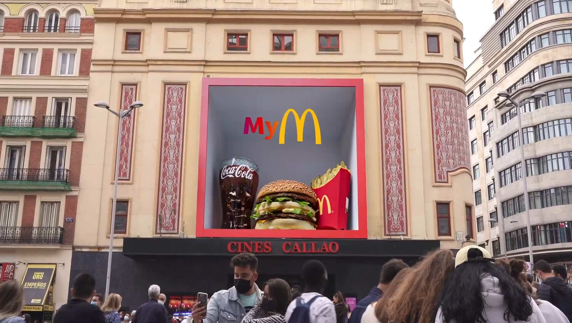 McDonald's se publicita en Callao City Lights