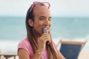 La polémica de Snickers